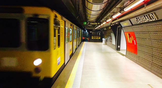 Station Metro Gare Naples
