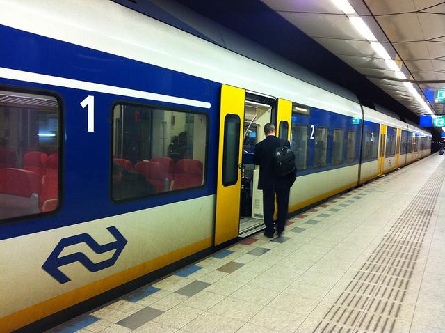 Transfert Aéroport Amsterdam en train