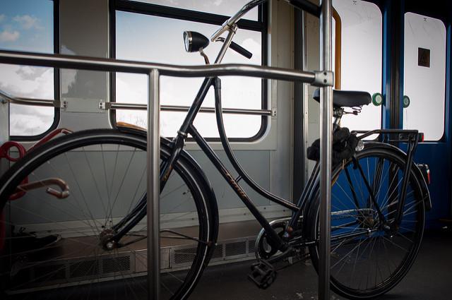 Vélo dans métro Amsterdam