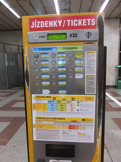 Distributeur Ticket Metro Prague