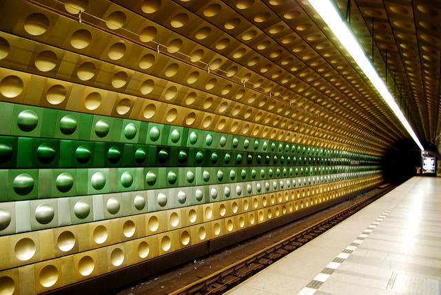 Station Metro Malostranská