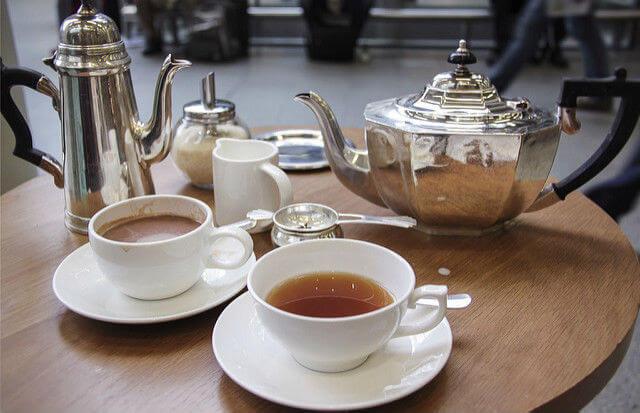 Un petit thé après la visite des appartements de la Reine