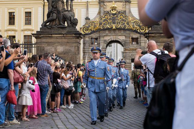 Relève de la garde Prague