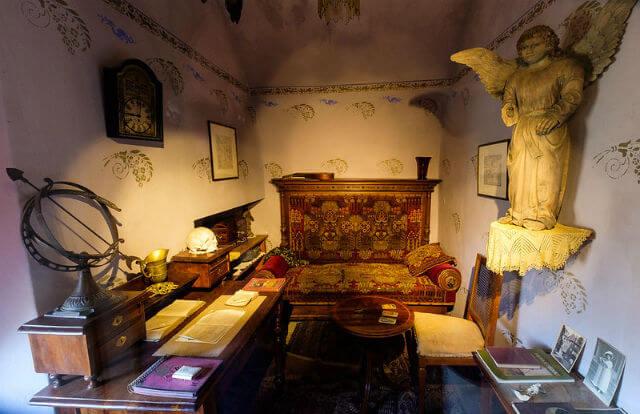 Interieur maison ruelle or